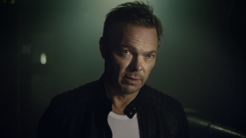 Pete tong classic house tvc elliot simpson for Classic house pete tong